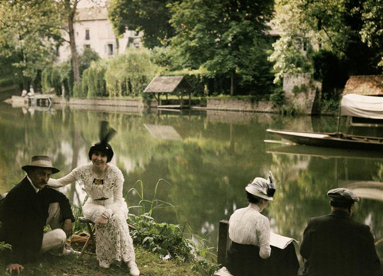 HenriChouanard+PicnicAtMontignyOnTheLoing+undated+AlinariArchives-Florence.jpg