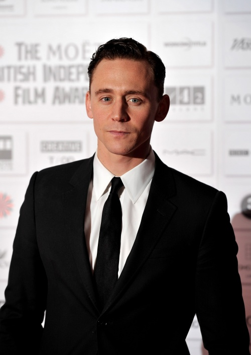 kinopoisk.ru-Tom-Hiddleston-1718330.jpg